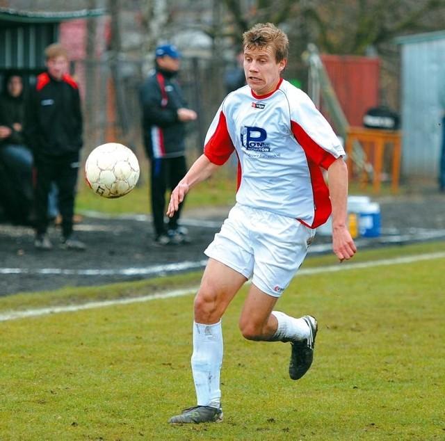 Piłkarze Dębu Dąbrowa Białostocka podtrzymali serię wiosennych meczów bez porażki