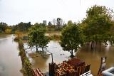 Odra zalała plaże i beach bary we Wrocławiu. Właściciele liczą straty