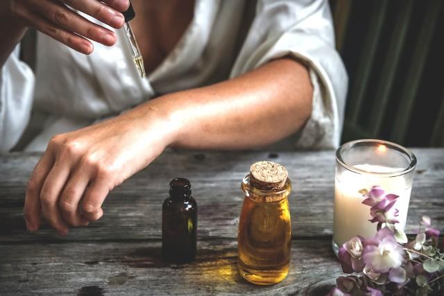 Olejki eteryczne mogą podrażnić skórę, jeśli przed aplikacją nie zostaną rozcieńczone.