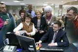 Seniorzy uczyli się obsługi konta bankowego przez Internet