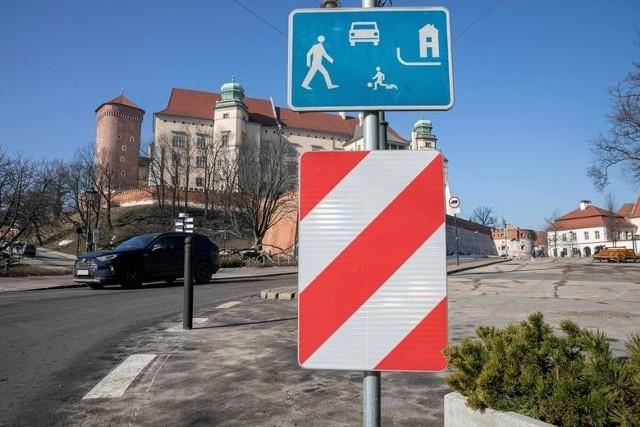 Obowiązująca od lutego br. zmiana organizacji ruchu  w okolicach  Wawelu