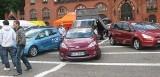 Wystawa samochodów na placu Zwycięstwa w Słupsku