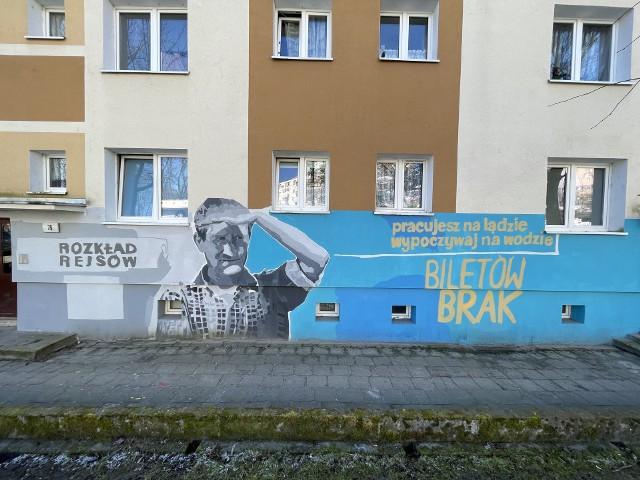 Na elewacjach budynków w rejonie osiedla Słonecznego pojawiły się kody QR. Są tam, gdzie nowe murale.