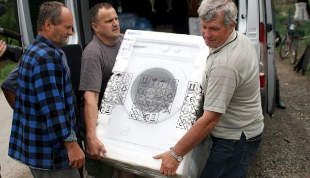 Sprzęt agd od Polaków z Ukrainy trafi do mieszkańców Zalesia Gorzyckiego.