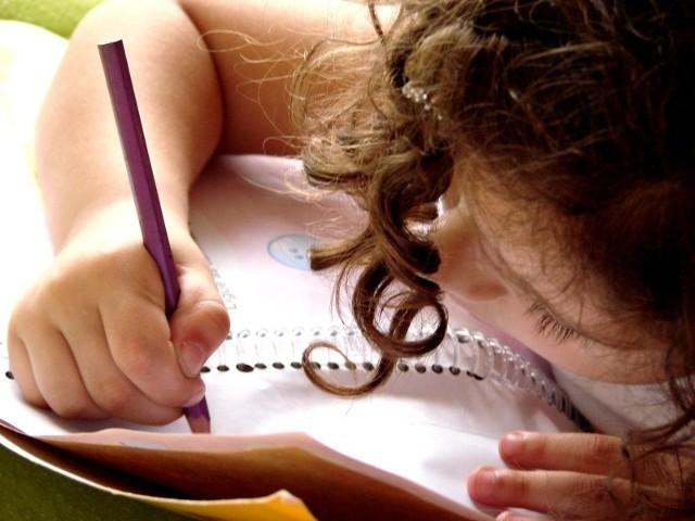 Bezpłatne książki mają służyć trzem kolejnym rocznikom. Dlatego właśnie pedagodzy obawiają się, że nie każdemu dziecku i rodzicowi spodoba się, że z książki korzystał wcześniej ktoś inny.