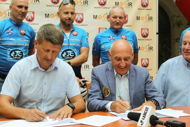 Czesław Lang we wtorek przyjechał do Łańcuta, by podpisać umowę z Burmistrzem Rafałem Kumkiem