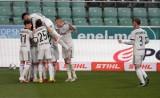 Ekstraklasa. Legia pokonała Podbeskidzie, które spadło do I ligi. Piast stracił miejsce w europejskich pucharach na rzecz Śląska