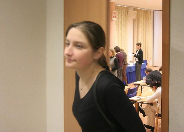 Zdający byli dobrze pilnowani przez komisję egzaminacyjną. Do toalety wychodzili w towarzystwie jednego z członków komisji.