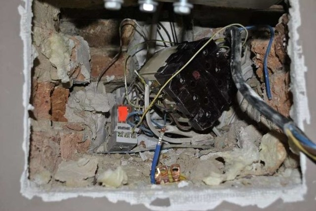 W tym roku opolscy policjanci odkryli już 46 przypadków kradzieży energii.