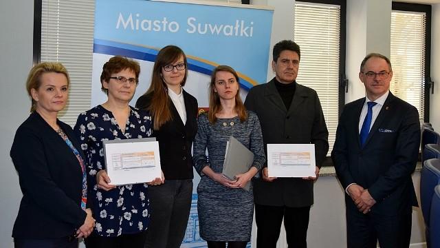 Zwycięzcy konkursu na najlepszą pracę o Suwałkach.