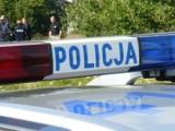 Wypadek w Wejherowie 20.05.2018. Kierowca samochodu osobowego potrącił trzyosobową rodzinę. Kobieta dostała urazu twarzoczaszki