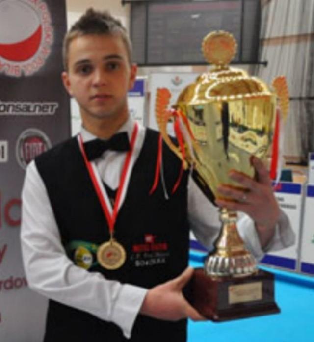 Zwycięzca rankingu krajowego sezonu 2011 Konrad Piekarski z klubu Metal-Fach LP Sokółka