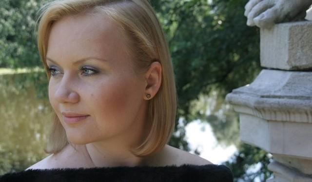 W partii Paminy usłyszymy m.in. solistkę Teatru Wielkiego w Poznaniu, cenioną sopranistkę  Monikę Mych-Nowicką