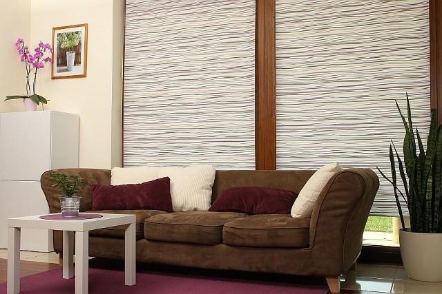 Salon, to miejsce w którym młoda para będzie spędzać większość czasuW salonie jednym z ważniejszych mebli jest komplet wypoczynkowy.
