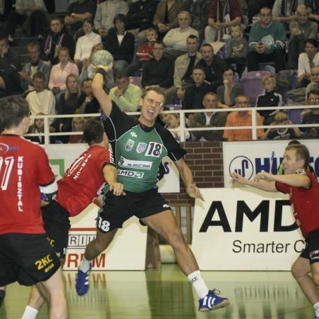 Łukasz Stodtko był najskuteczniejszym graczem Chrobrego, ale większość bramek zdobył z rzutów karnych