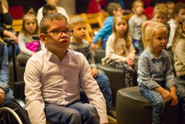 Krzyś Jaworowski ma 11 lat i od urodzenia jest niepełnosprawny ruchowo. Udział w tworzeniu bajki był dla niego dużym przeżyciem