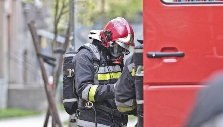 W pożarze w miejscowości Tryl poszkodowana jest jedna osoba,...