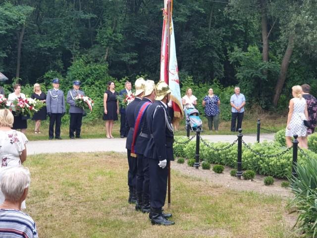 jak co roku w Brodku odbyły się uroczystości upamiętniające mieszkańców pomordowanych przez okupanta w 1944 roku.