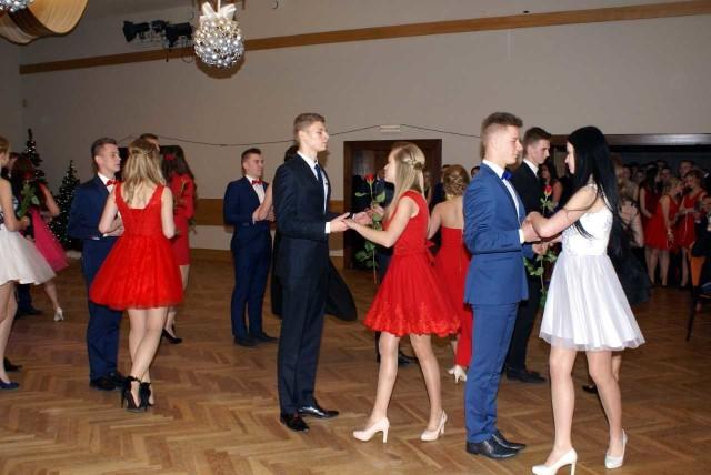 W Zespole Szkół Licealnych i Technicznych maturzyści mają już za sobą studniówkę. >> Najświeższe informacje z regionu, zdjęcia, wideo tylko na www.pomorska.pl