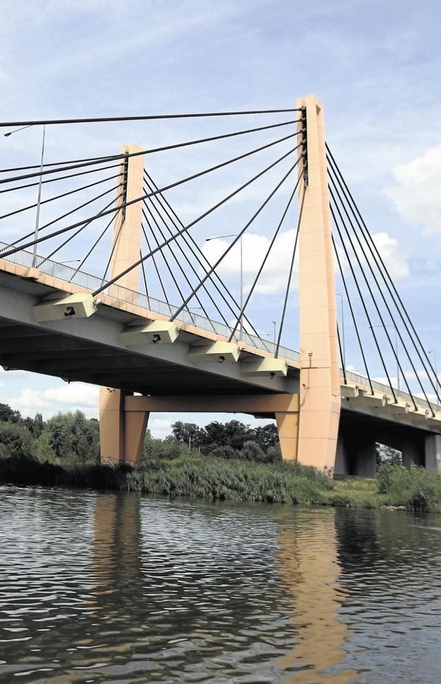 Z wykorzystaniem środków unijnych wybudowano we Wrocławiu m.in. most Milenijny, oddany do użytku jesienią 2004 roku