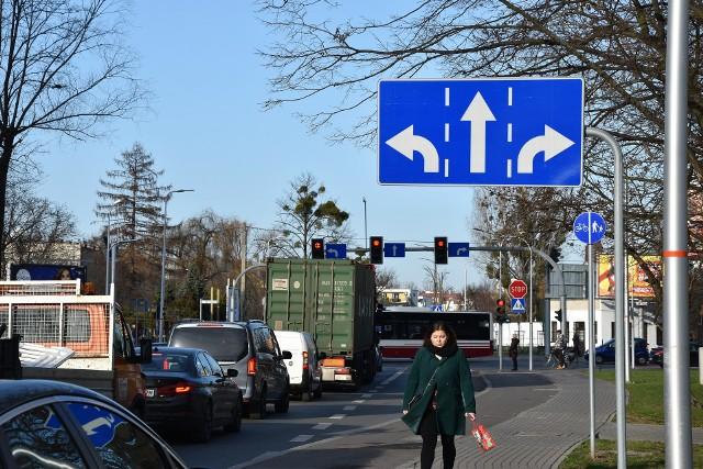 Kierowcy obawiają się, że dojazd do ul. Niemodlińskiej od strony ul. Wojska Polskiego będzie się korkował jeszcze bardziej