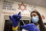 Izrael: niedawny lider szczepień ma teraz problemy. Lawinowo rośnie liczba zakażeń Covid-19