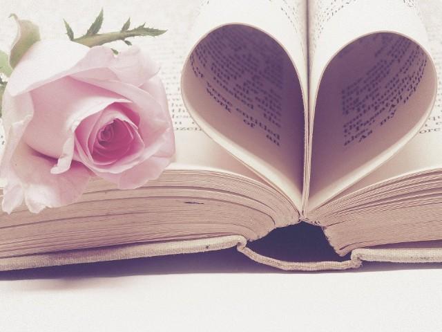 Walentynki warto uczcić, wysyłając bliskiej osobie kilka miłych zdań