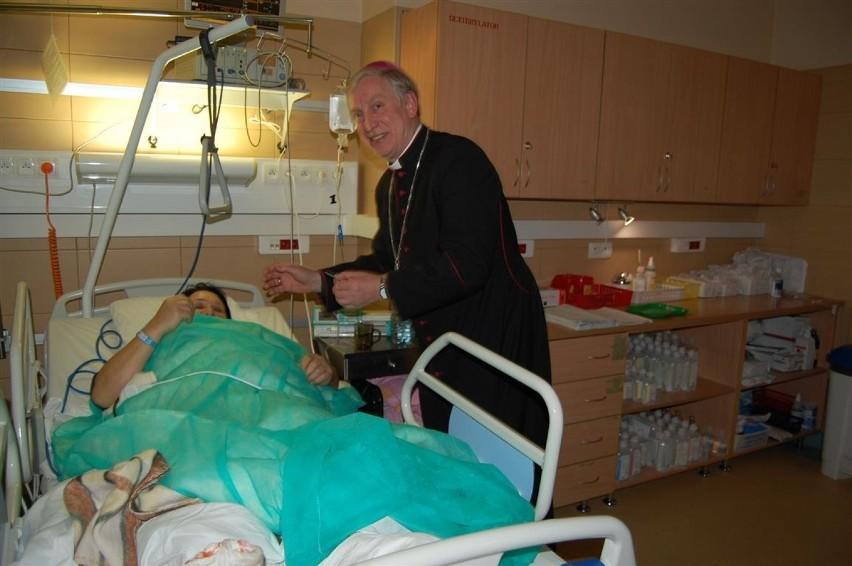 Biskup pelpliński z wizytą w szpitalu w Kartuzach [ZDJĘCIA]
