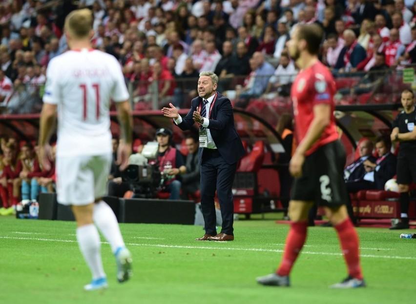 Reprezentacja Polski prowadzi w grupie eliminacyjnej do Euro 2020, ale po ostatnich dwóch spotkaniach ma już tylko dwa punkty przewagi nad Słowenią i trzy nad Austrią. Bezpośredni awans na turniej uzyskają dwie pierwsze drużyny.