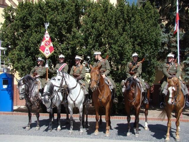 Ułani z Klubu Jazdy Konnej w Działowie ruszają dzisiaj na Monte Cassino