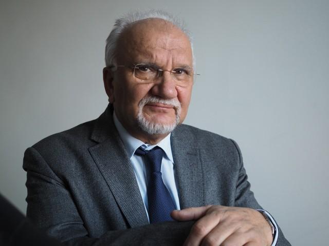 - Szkoła powinna się zmieniać systematycznie – adekwatnie do zmieniających się warunków - mówi prof. Stanisław Dylak z Wydziału Studiów Edukacyjnych UAM