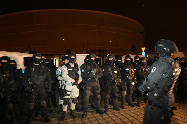 Stadion Miejski Wrocław - nocne ćwiczenia Tactical Prison Rescue 2015