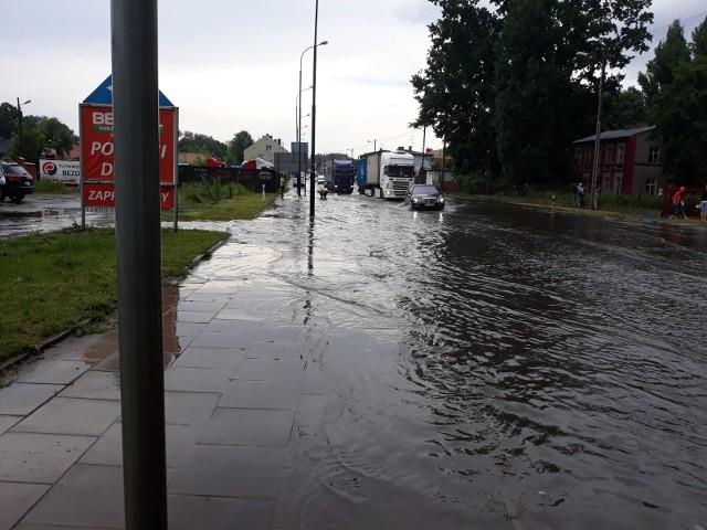 Okolice ulicy Parzyraka, gdzie doszło do tragedii, były bardzo mocno zalane