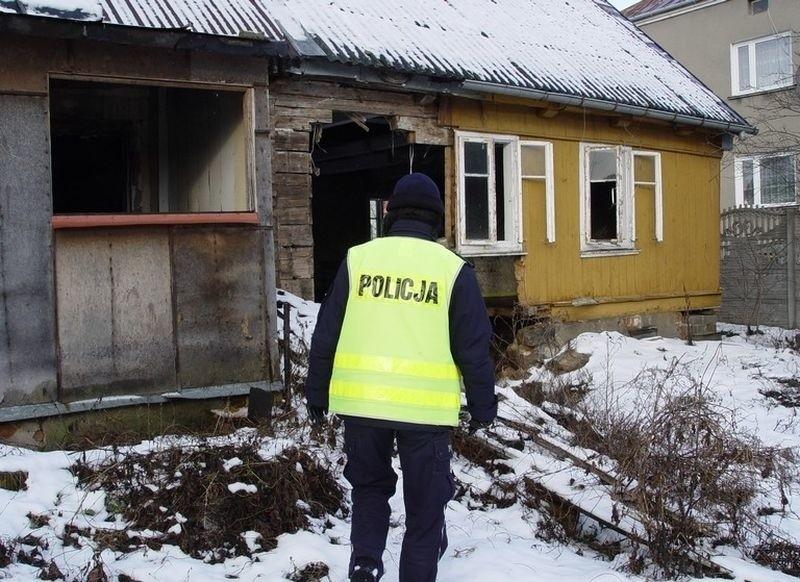 Policja w Kolnie uratowała mężczyzn przed zamarznięciem