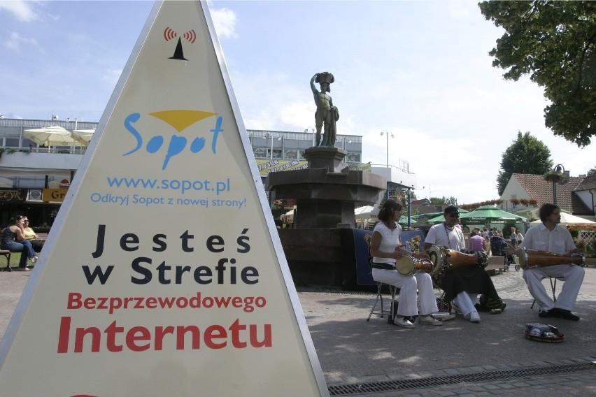 Uwaga na otwarte punkty dostępowe Wi-Fi czyli okazja czyni...