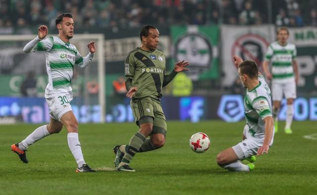 Mecz Legia - Lech w otwartym paśmie