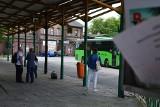 Dworzec PKS w Świebodzinie to wstyd dla miasta. Mieszkańcy nie mają co do tego wątpliwości. Połamane ławki czy rozwalony chodnik straszą