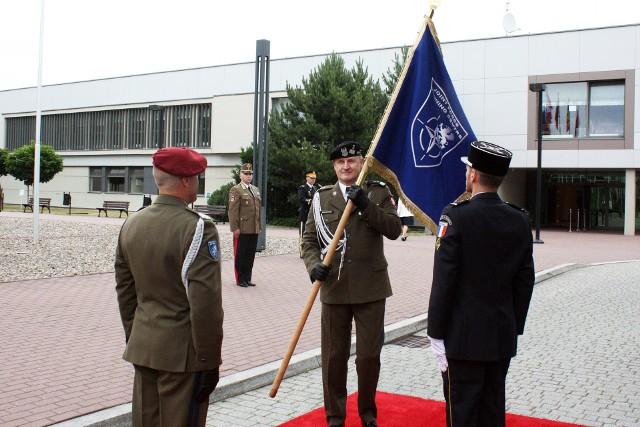 W marcu tego roku, Minister Obrony Narodowej Mariusz Błaszczak ogłosił, że generał Joks zostanie wyznaczony na zastępcę dowódcy V Korpusu US Army. Generał Malinowski przejął obowiązki dowódcy JFTC, aby kontynuować i dokończyć polską zmianę dowodzenia nad NATO-wskim Centrum.