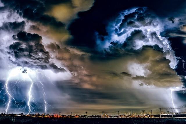 IMGW ostrzega przed burzami i silnym wiatrem. Lokalnie możliwe podtopienia