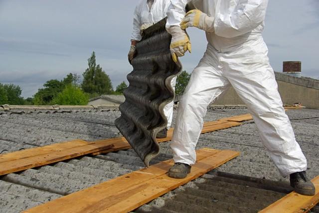 Usuwanie azbestu jest planowane na maj - sierpień przyszłego roku.