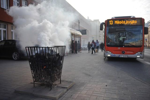 W Rzeszowie stanęły koksowniki, a uczniowie mogą jeździć autobusami MPK za darmo.