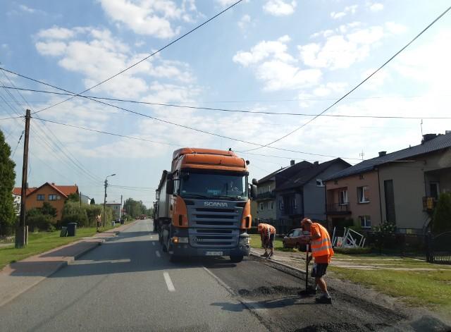 Rozpoczął się remont ulicy Hrubieszowskiej w Sławkowie Zobacz kolejne zdjęcia/plansze. Przesuwaj zdjęcia w prawo - naciśnij strzałkę lub przycisk NASTĘPNE