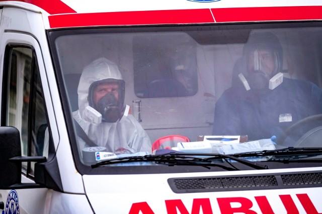 W czwartek zakażenie potwierdzono u 2.254 mieszkańców regionu. Zmarło 31 osób
