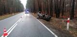 Wypadek na DK 45. Kobieta wjechała citroenem do rowu, trafiła do szpitala
