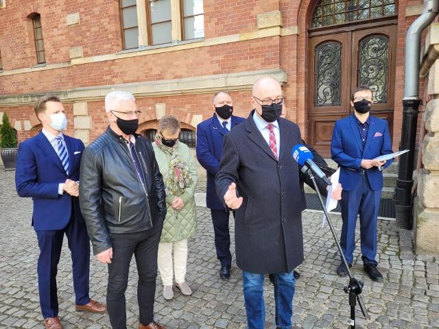 Konferencja prasowa gdańskich radnych PiS