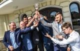 Studenci rządzą Bydgoszczą. Prezydent przekazał im klucze do miasta [zdjęcia]