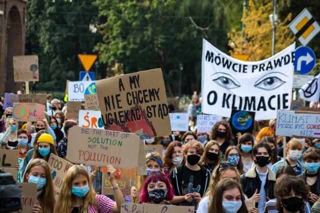 Młodzież w Krakowie od dawna domaga się już realnych działań w sprawie zmian klimatycznych