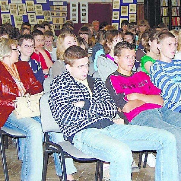 Na wykłady zaproszono gimnazjalistów z Szubina i  Rynarzewa oraz uczniów szubińskiego LO.