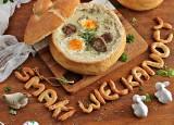 Wielkanocne smaki – zupa chrzanowa w chlebie, biała kiełbasa i jaja na różowo – najlepsze przepisy naszych Czytelników