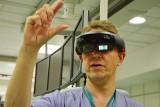 W szpitalu Biegańskiego w Łodzi operacje jak z Gwiezdnych Wojen. Lekarze operowali w okularach holograficznych [ZDJĘCIA]